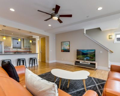 Quiet, Spacious Retreat with Fire Pit and Steam Shower - Whittier