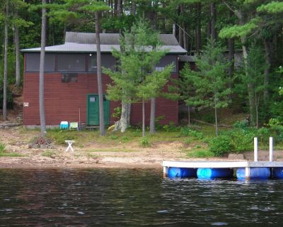 Beautiful Lakeside Waterfront Cottage with Private Beach - Orange