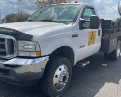 2003 Ford Super Duty F-450 Chassis Cab XL