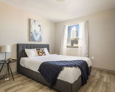 CozyStays Apartment on 3rd street - Downtown Louisville