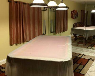 Private room with shared bathroom - Murrieta , CA 92563