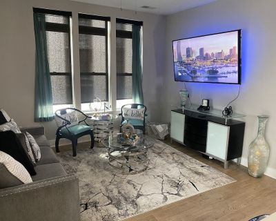 Luxurious Buckhead Midrise 2bd2ba, Mins From Lenox - Buckhead Heights