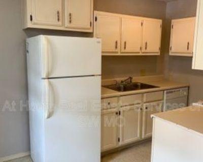 1636 N Benton Ave #D, Springfield, MO 65803 2 Bedroom Condo