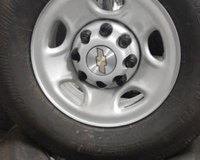NewTakeOffs--Chevy 3/4ton Silver Steel wheels/caps--NO Tires