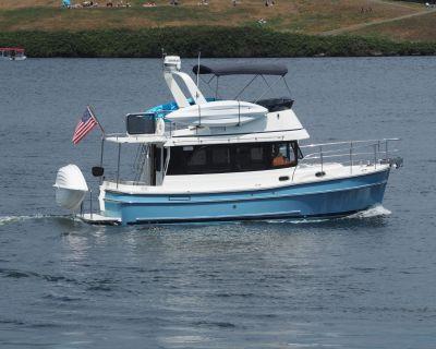 2018 Helmsman Trawlers 31 Sedan