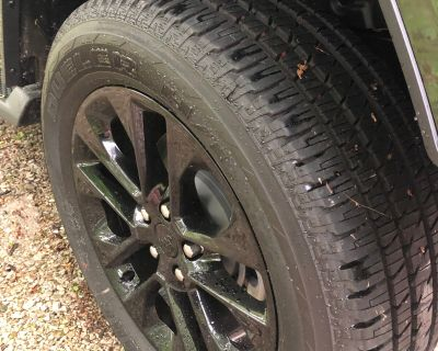 "Kentucky - 2021 Sahara 20"" (275/55r20) tires for sale - less than 200 miles - 600.00 OBO"