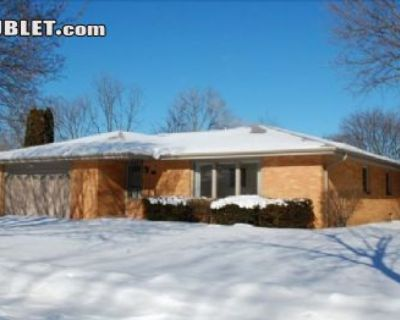 $2995 3 single-family home in Waukesha County