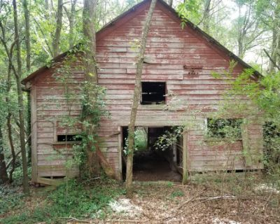 Old Barn for Photo Shoots and Videos, Riverdale, GA