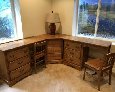 FREE!!! Oak desks with chairs