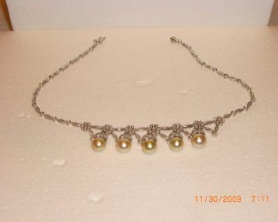 VERY AFFLUENT 3.00 CARAT GENUINE PEARL NECKLACE