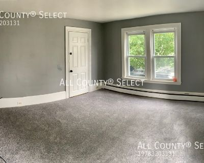 1 Bedroom Rental. Great Downtown Location. Walk to train and resturants