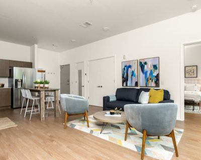 Illume | Upscale Gulch View Getaway | All-Suite Corner Unit with Shaded Patio - Edgehill