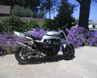 2004 Kawasaki ZRX 1200R
