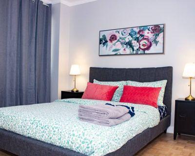 Superb apartment, Best location at Crescent - Golden Square Mile