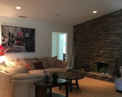 Single Room in 3 bed house in Los Angeles