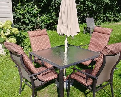 6-PC OUTDOOR PATIO TABLE WITH 4 CHAIRS