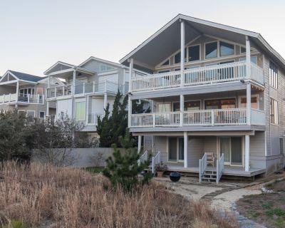 Dolphin's Den (3-Bedroom Condo) - Northeast Virginia Beach