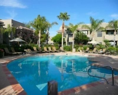 You will love this 1 bedroom condo! Resort like setting close to everything - Central Scottsdale