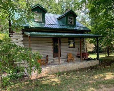 """Relax at The """"Wilberness"""" Log Cabin close to Rocky Fork Lake! - Hillsboro"""