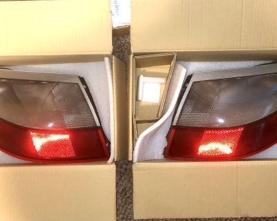 Stock taillights and Carbon Fiber Side Vents