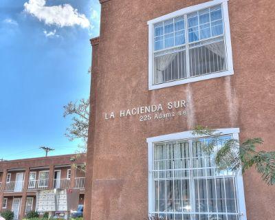 Hacienda Sur Apartments