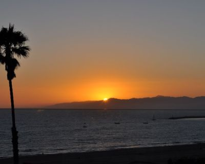 Ocean Front Spectacular Beach Views 3bedrm Home /sand! Close to Marina Del Rey - Playa Del Rey