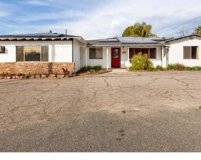 Private room with shared bathroom - Mentone , CA 92359