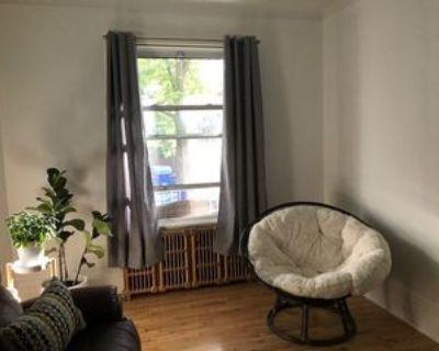 10939 Avenue de l'Esplanade, Montr al, QC H3L 2Y5 3 Bedroom Apartment