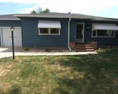 1704 N Garfield Ave #1, Loveland, CO 80538 3 Bedroom Apartment