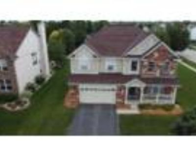 Just Listed! 4 bed 2.5 bath- Office- .3 Acre Lot, Sycamore, IL