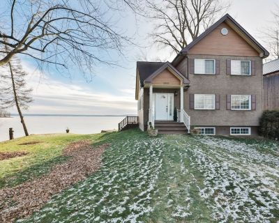 Magnificent waterfront cottage on Ottawa river - Saint-Placide