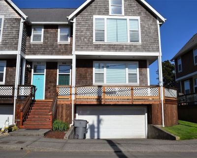 2Bed/2.5 Bath, Newly Re-modeled Townhouse, w/Fireplace, Close to Everything - Seaside