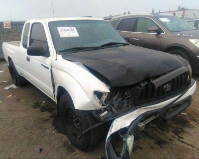 Salvage White 1996 Toyota Tacoma