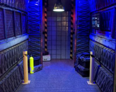SCI-FI SPACE CORRIDOR Spaceship Alien Nasa Galaxy Submarine Ship, Burbank, CA