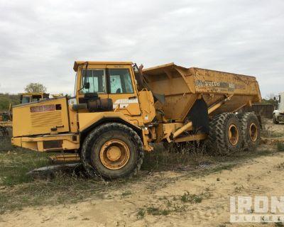 2001 Volvo A25C Articulated Dump Truck