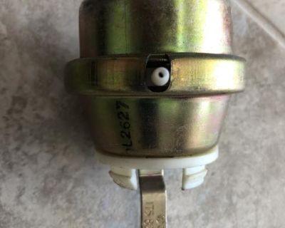 Heater box HVAC vacuum actuator 175-820-677