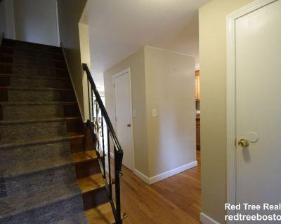Dedham Duplex Townhome For Rent! 2 Bed, 1.5 Bat...