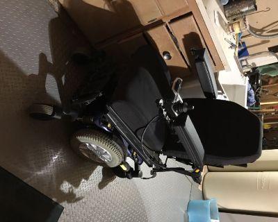 Quantum Q6 power chair