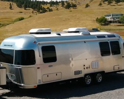 2018 Airstream FLYING CLOUD 27FB TWIN