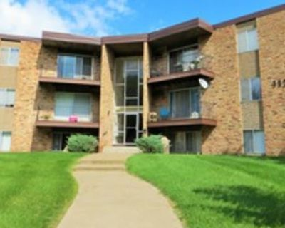 Private room with shared bathroom - Coon Rapids , MN 55433