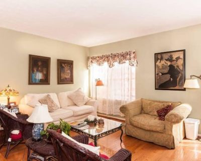 Cozy comfortable townhome- your home away from home! - Chantilly