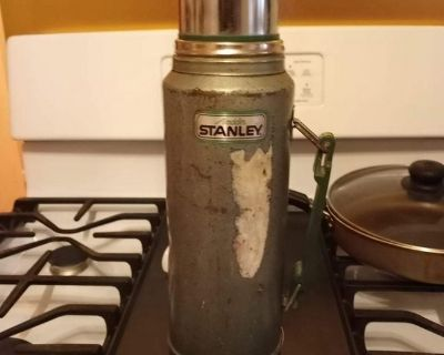 thermos keeps drink hot or cold
