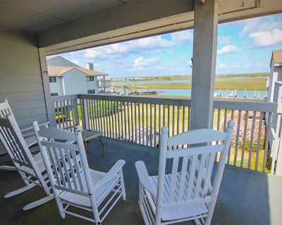 Beautiful views of the bay you and your family cannot miss - Shell Island