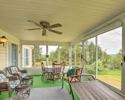 Finger Lakes Retreat w/ Sunroom, Fire Pit & BBQ! - Town of Milo