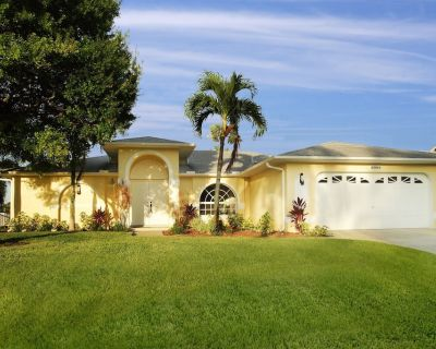 Villa Sunrise - 4-Bedroom Home Perfect for Indoor/Outdoor Fun - Caloosahatchee