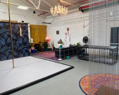 Sunny Alternative Studio with Dance Floor, Poughkeepsie, NY