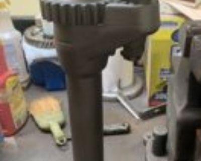 Gear driven budd wheel lug wrench