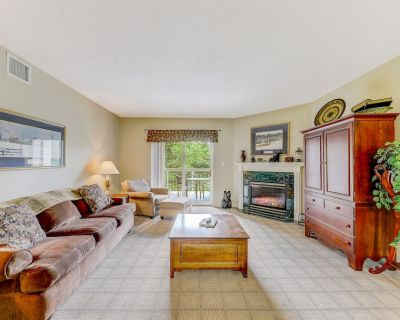 Comfy Classic Whispering Pines 424, 2BR, Pools, Lazy River, Gym, Hot Tub, Wi-Fi, - Pigeon Forge