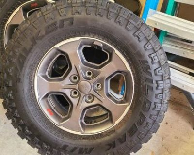 California - 392 Rubicon Wheels and Tires - Beadlock