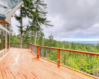 New listing! Secluded, family friendly cabin w/ WiFi, water view & full kitchen! - Olga